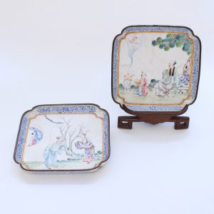 A pair of small Canton enamel dishes