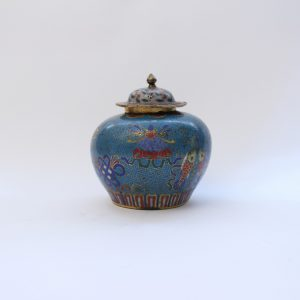 A small cloisonné vessel and cover