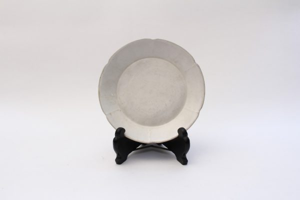 A 'Ding' lobed dish