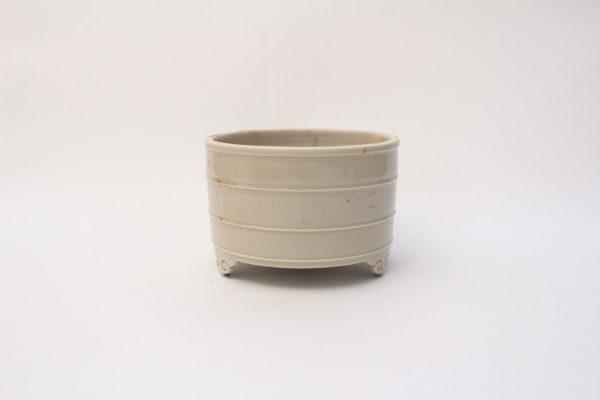 A 'Dehua' cylindrical censer