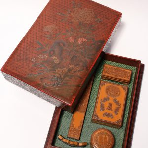 An imperial bamboo-veneer stationery set