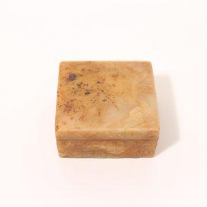 A small jade 'deer' box