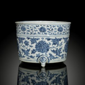A blue and white cylindrical tripod censer (Ming Dynasty, second half 15th century)