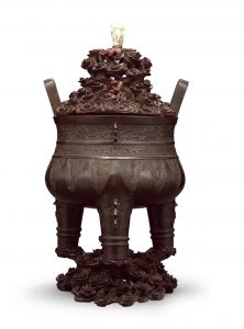 A large bronze tripod censer (Song/Yuan dynasty, 12-14th century)