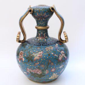 A cloisonné enamel garlic neck vase with 'ruyi handles' (Qianlong period)