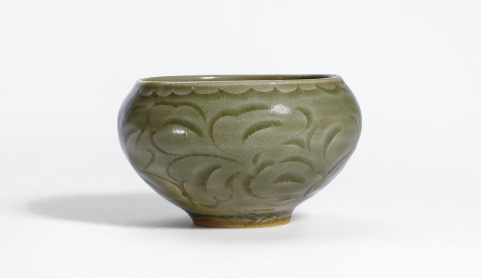 A small carved 'Yaozhou' bowl incised with floral pattern (Northern Song dynasty)